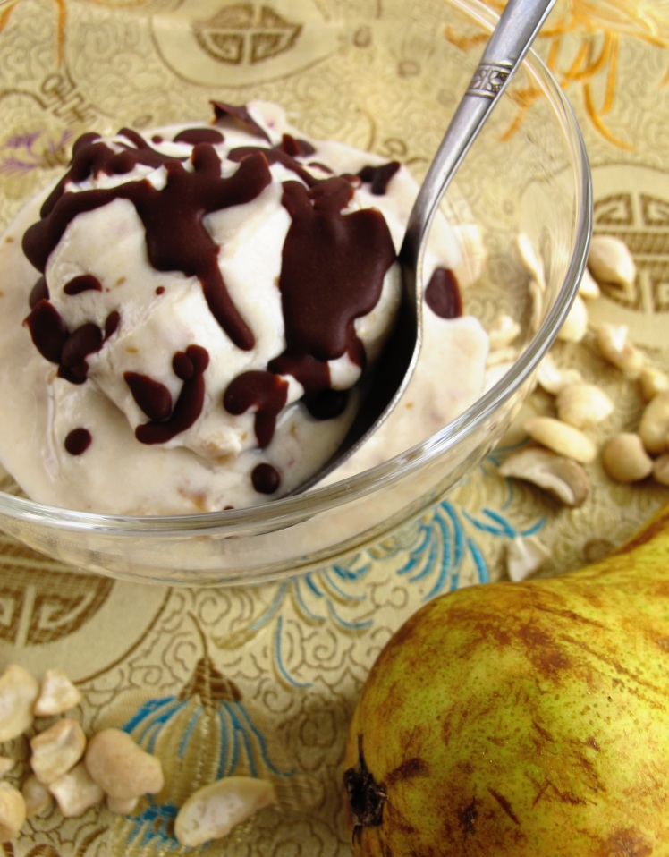 pear cashew icecream cut